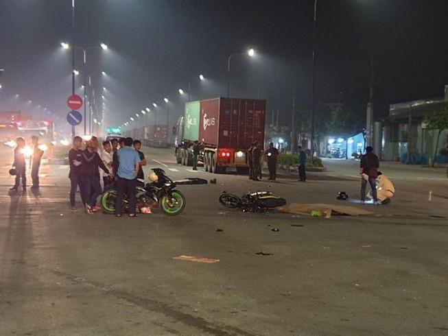 2 vợ chồng trẻ chết thảm dưới bánh xe container ở Bình Dương Ảnh 1