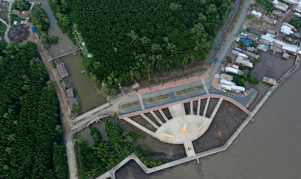 Đất mũi Cà Mau xanh mướt từ từ flycam: Nơi đất biết nở, nơi rừng biết đi Ảnh 4