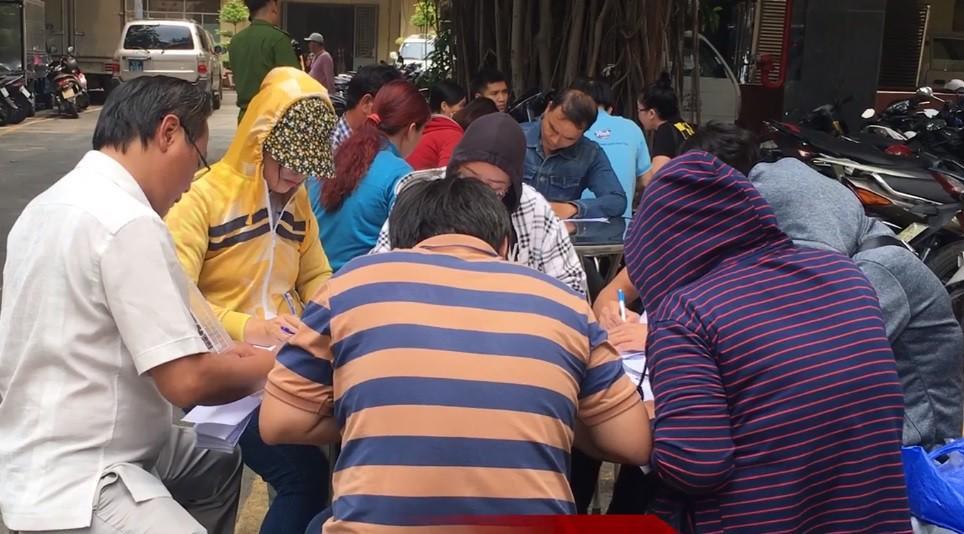 Người dân ùn ùn đến công an trình báo sau khi Chủ tịch Alibaba bị bắt Ảnh 4