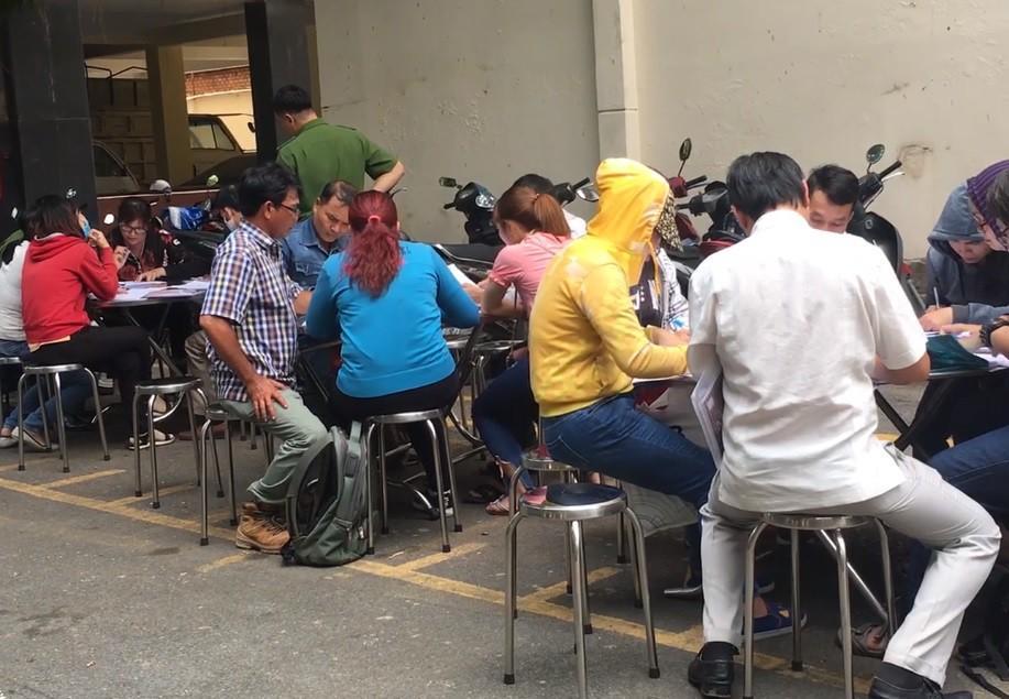 Người dân ùn ùn đến công an trình báo sau khi Chủ tịch Alibaba bị bắt Ảnh 1