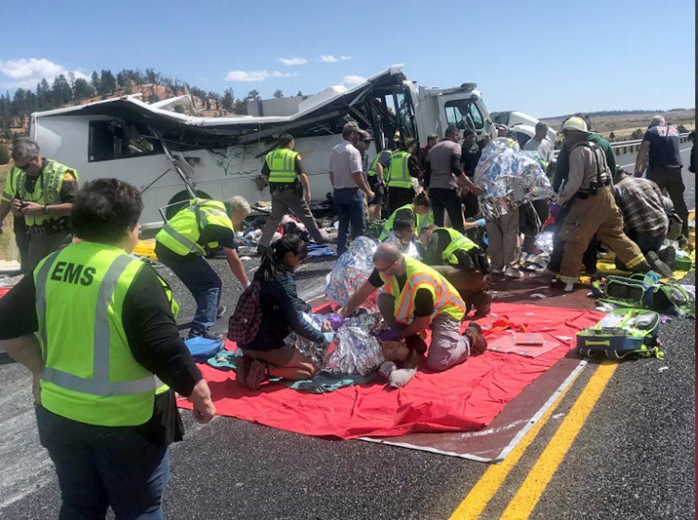 Xe chở du khách Trung Quốc gặp nạn, 30 người thương vong Ảnh 3