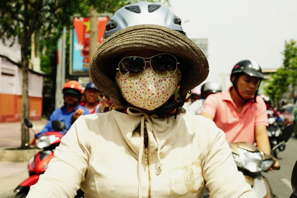 Báo động ô nhiễm không khí: Người trẻ lo sợ muốn bỏ phố về quê Ảnh 1