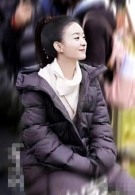 Triệu Lệ Dĩnh bị dân mạng Trung chê già và kém sắc khi sánh vai với đàn em Trương Huệ Văn trong 'Hữu phỉ' Ảnh 4