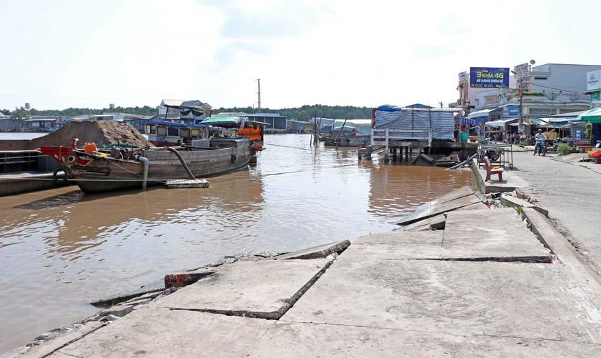 Những hình ảnh cho thấy nguy cơ sạt lở 'bủa vây' bán đảo Cà Mau Ảnh 1