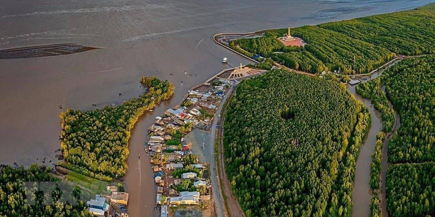 Những hình ảnh cho thấy nguy cơ sạt lở 'bủa vây' bán đảo Cà Mau Ảnh 7