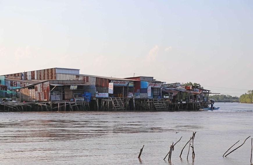 Những hình ảnh cho thấy nguy cơ sạt lở 'bủa vây' bán đảo Cà Mau Ảnh 4