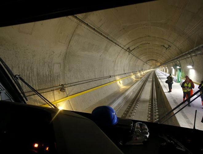 Chiêm ngưỡng những đường hầm đặc biệt nhất thế giới khiến nhiều người ngỡ ngàng Ảnh 12