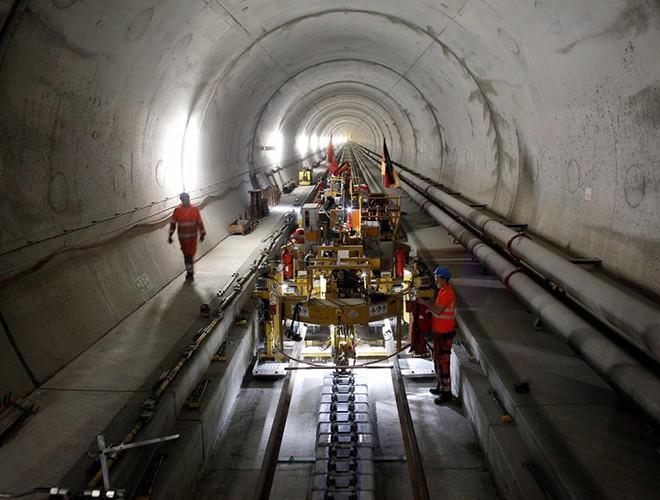 Chiêm ngưỡng những đường hầm đặc biệt nhất thế giới khiến nhiều người ngỡ ngàng Ảnh 13