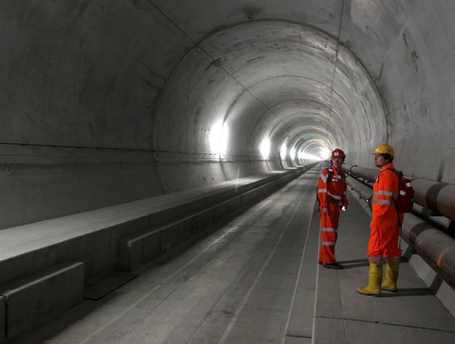 Chiêm ngưỡng những đường hầm đặc biệt nhất thế giới khiến nhiều người ngỡ ngàng Ảnh 11
