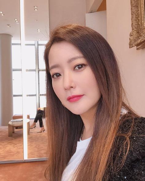 Ngỡ ngàng nhan sắc trẻ đẹp hơn 20 năm trước của 'quốc bảo nhan sắc' Kim Hee Sun Ảnh 5