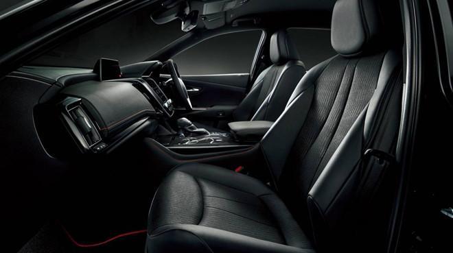 Toyota Crown có thêm phiên bản Sport Style hướng tới giới trẻ Ảnh 1