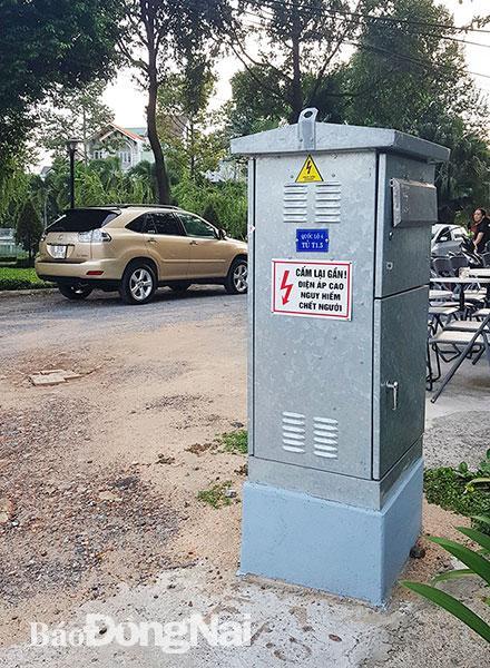 Bốt điện, tủ viễn thông bị chiếm dụng để quảng cáo Ảnh 1