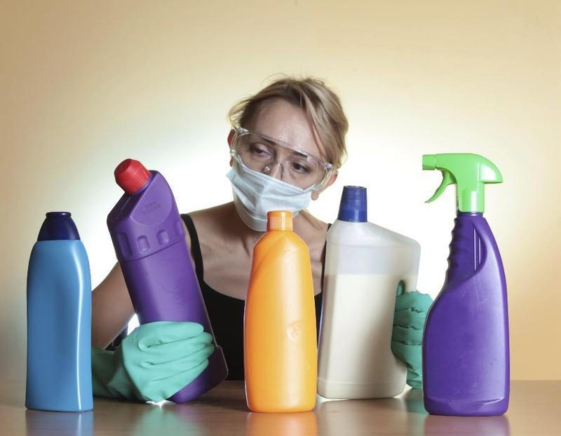 Ngộ độc vì sử dụng các hóa chất tẩy rửa trong gia đình Ảnh 2