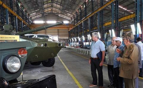 Cuba hỗ trợ Việt Nam công nghệ bảo quản xe thiết giáp Ảnh 2