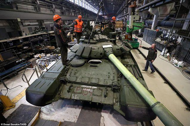 Bên trong nhà máy sản xuất siêu tăng huyền thoại của Nga Ảnh 11