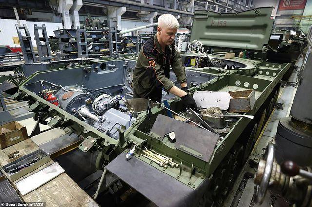 Bên trong nhà máy sản xuất siêu tăng huyền thoại của Nga Ảnh 9