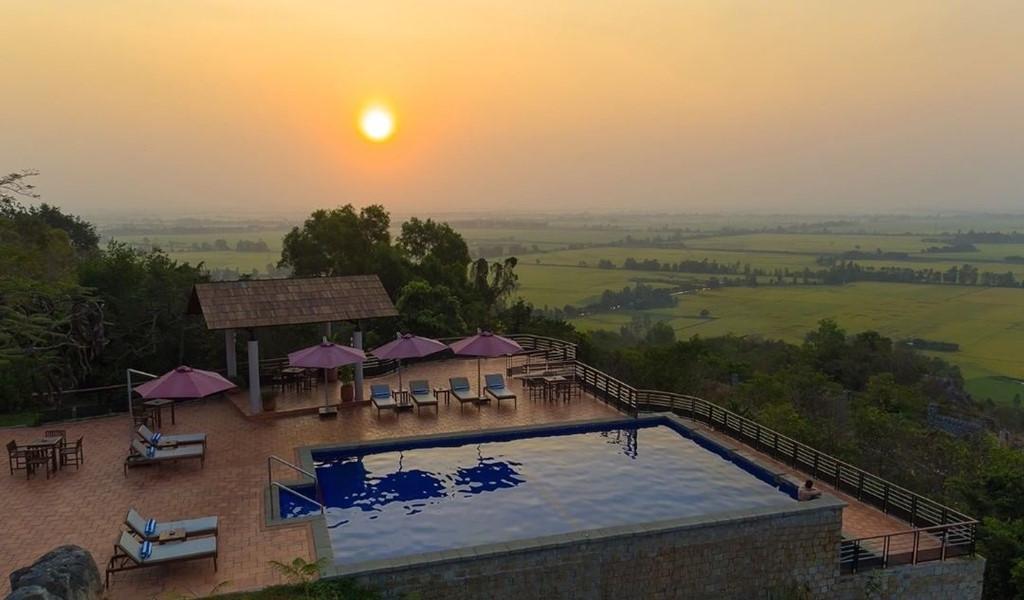 5 khu nghỉ dưỡng có view tuyệt đẹp ở miền Tây Ảnh 8