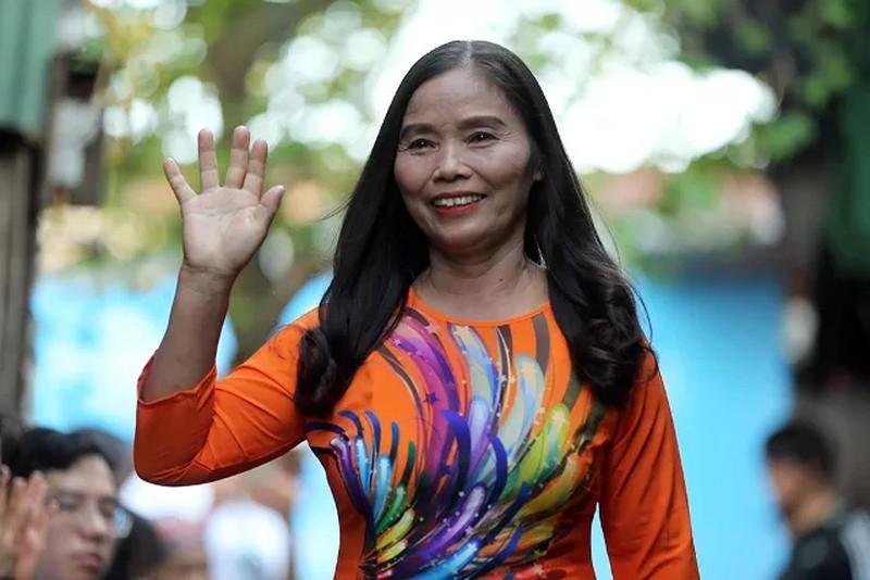'Ngày đẹp nhất' của những phụ nữ nghèo chân cầu Long Biên Ảnh 8