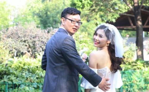 Chỉ 2 ngày cưới xong, vợ bàng hoàng vì chồng cùng cả nhà chồng lộ mặt thật và màn vùng lên tự giải thoát mình sau đó Ảnh 1