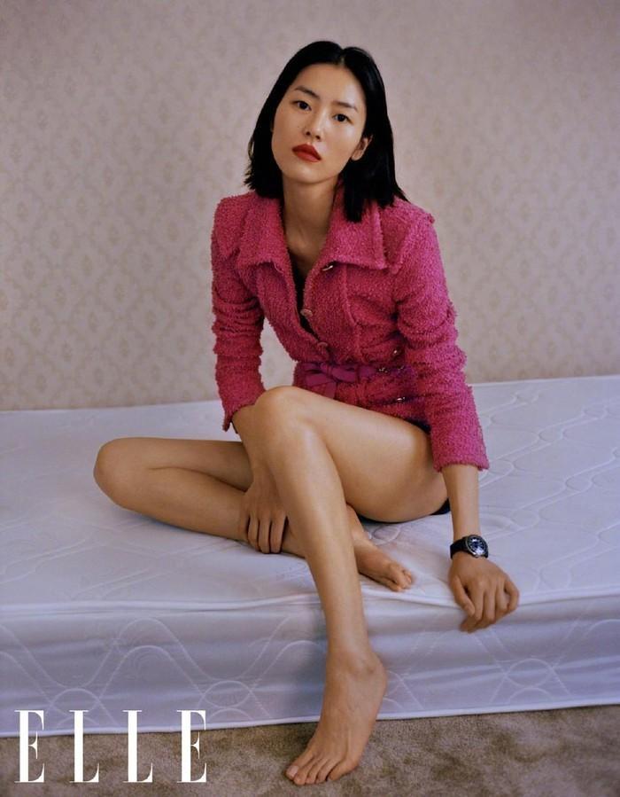 Siêu mẫu đắt giá nhất châu Á bán nude trên bìa tạp chí nổi tiếng Ảnh 7