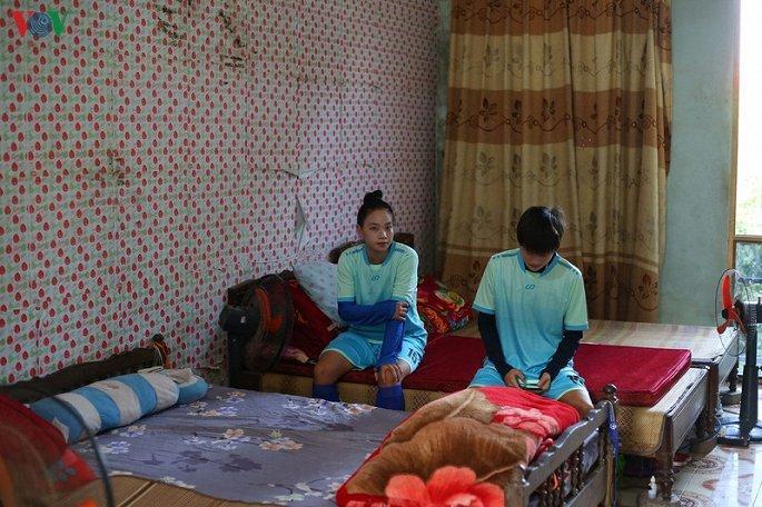 Bóng đá nữ Thái Nguyên: Lương 1,3 triệu đồng/tháng, cầu thủ nghỉ thi đấu làm công nhân Ảnh 2