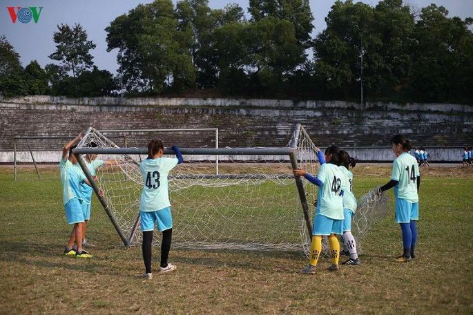 Bóng đá nữ Thái Nguyên: Lương 1,3 triệu đồng/tháng, cầu thủ nghỉ thi đấu làm công nhân Ảnh 3