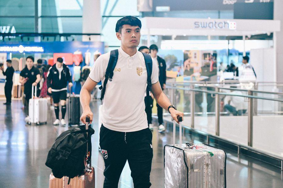 Thái Lan cấm cửa phóng viên Việt Nam, tự thuê sân tập cách Hà Nội 40km Ảnh 2