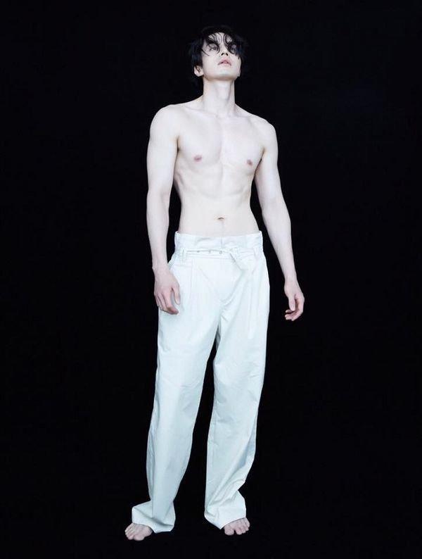 'Thần chết' Lee Dong Wook đẹp như nam thần công sở hồn triệu fans Ảnh 8