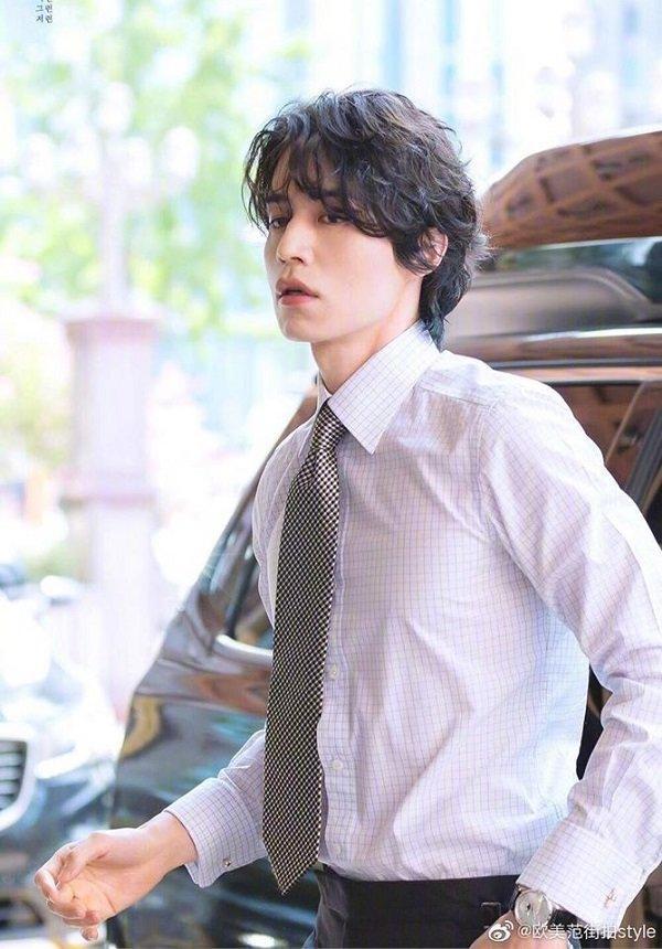 'Thần chết' Lee Dong Wook đẹp như nam thần công sở hồn triệu fans Ảnh 3