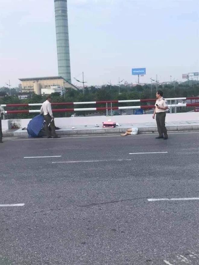 Hà Nội: Phóng xe vào làn đường ô tô lên nhà ga Nội Bài với tốc độ cao, một phụ nữ tử vong Ảnh 1