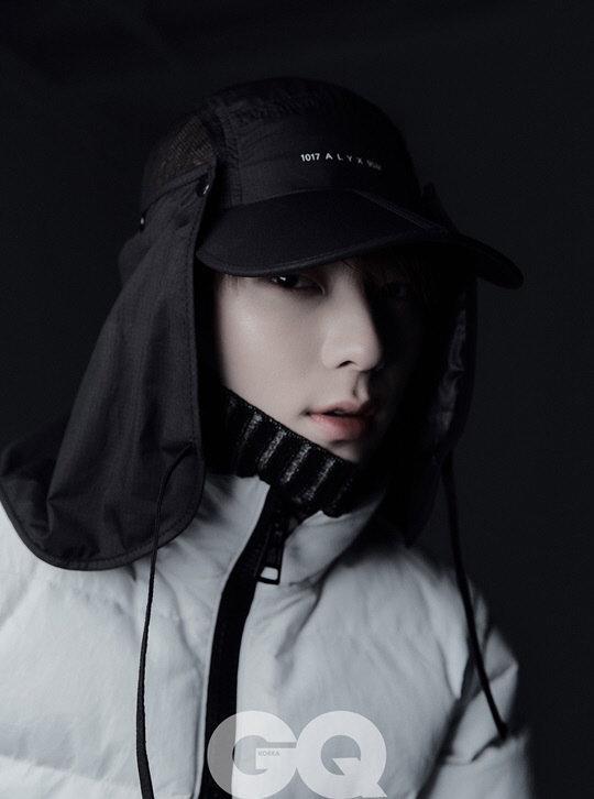 Tạp chí tháng 12: Lee Dong Wook để tóc dài 'thướt tha', Shin Min Ah - Kim Woo Bin kết hôn vào năm sau? Ảnh 5