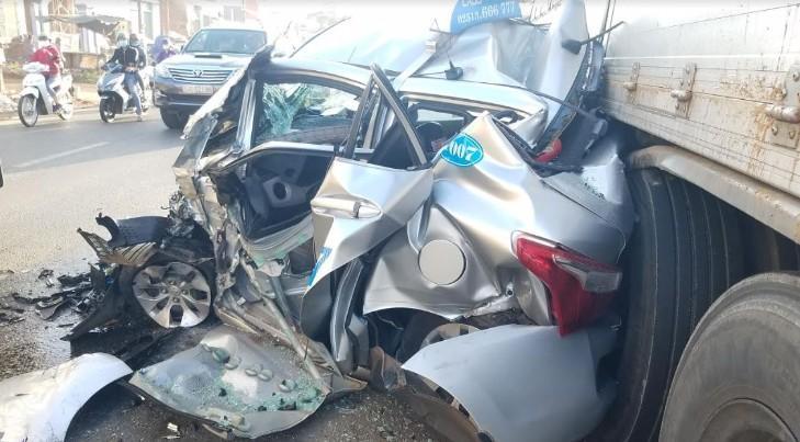 Thoát chết khó tin trong tai nạn liên hoàn tại khu vực cầu vượt Dầu Giây Ảnh 1