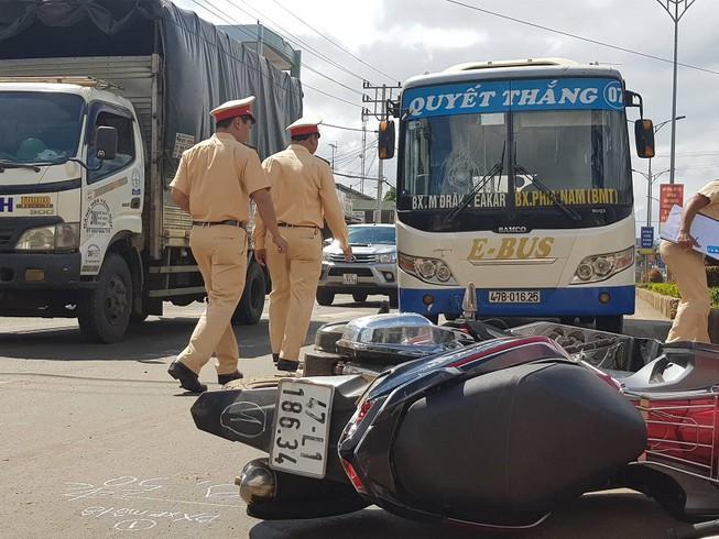 Việt kiều 90 tuổi lái xe tử nạn sau va chạm xe máy Ảnh 1