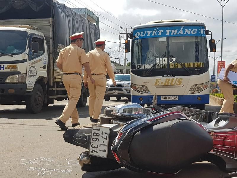Việt kiều 90 tuổi lái xe tử nạn sau va chạm xe máy Ảnh 3