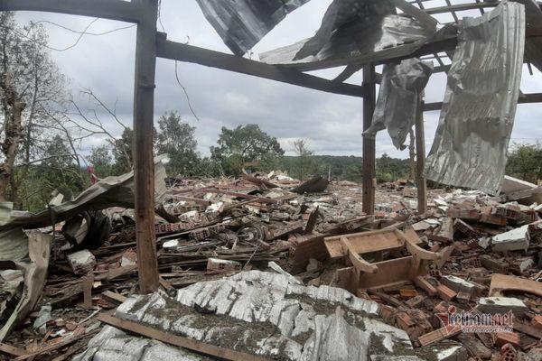 Mìn nổ bay nóc nhà, 2 người thương vong ở Đắk Nông Ảnh 2