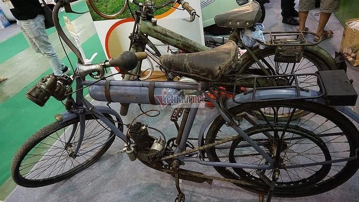 Xe đạp cổ 109 năm tuổi hàng hiếm giá hơn 200 triệu ở Hà Nội Ảnh 2