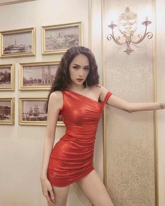 Kỳ Duyên khoe dáng với bikini, Ninh Dương Lan Ngọc diện váy hở lưng Ảnh 10