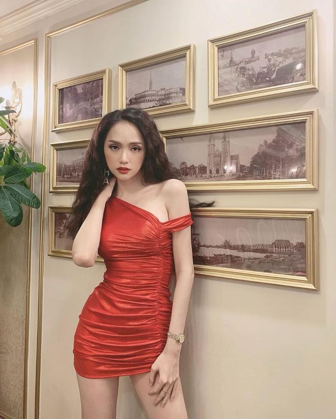 Kỳ Duyên khoe dáng với bikini, Ninh Dương Lan Ngọc diện váy hở lưng Ảnh 9