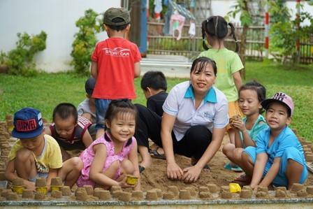 Hơn 400.000 trẻ em khu công nghiệp được học tập an toàn và hứng thú Ảnh 2