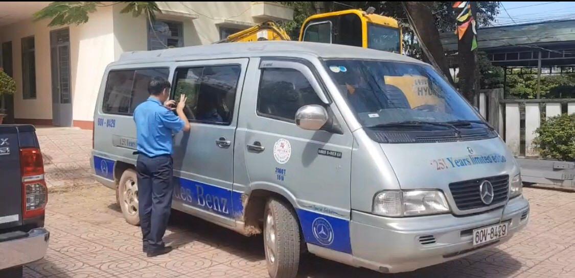 Bộ Giáo dục và Đào tạo đôn đốc bảo đảm an toàn giao thông cho học sinh Ảnh 1