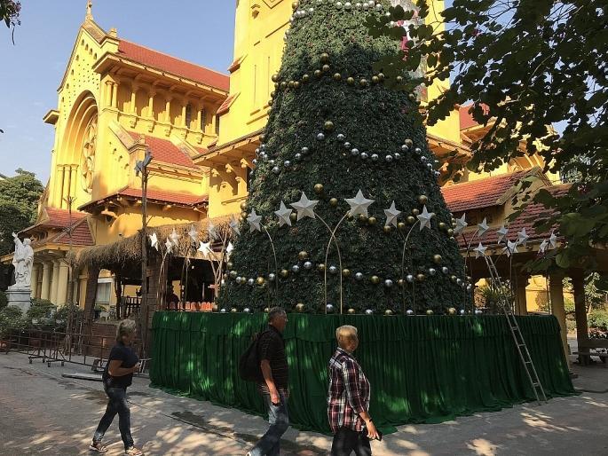 Các nhà thờ ở Hà Nội nhộn nhịp, trang hoàng chờ đón Giáng sinh Ảnh 13