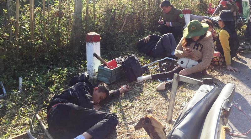 Lật xe chở đoàn từ thiện, 9 người thương vong Ảnh 3