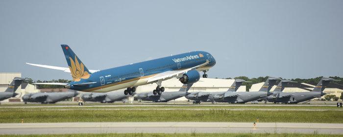 Siêu máy bay Boeing 787-10 đón thầy trò HLV Park Hang-seo trở về từ SEA Games 30 có gì đặc biệt? Ảnh 5
