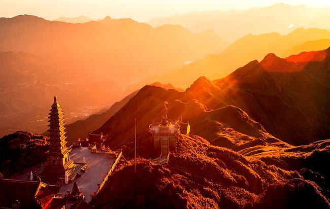 Vẻ đẹp của 'đỉnh núi bạc' Fansipan trong mùa đông Ảnh 2