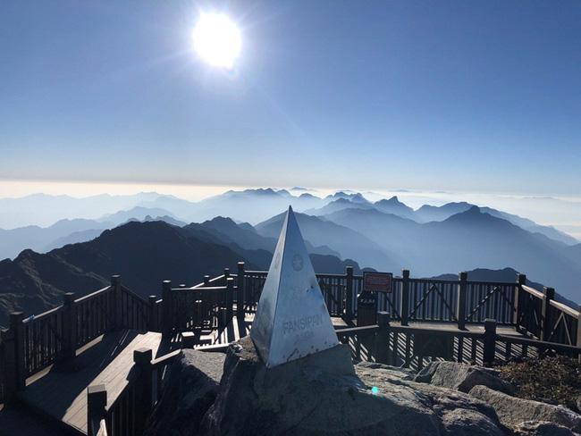 Vẻ đẹp của 'đỉnh núi bạc' Fansipan trong mùa đông Ảnh 3