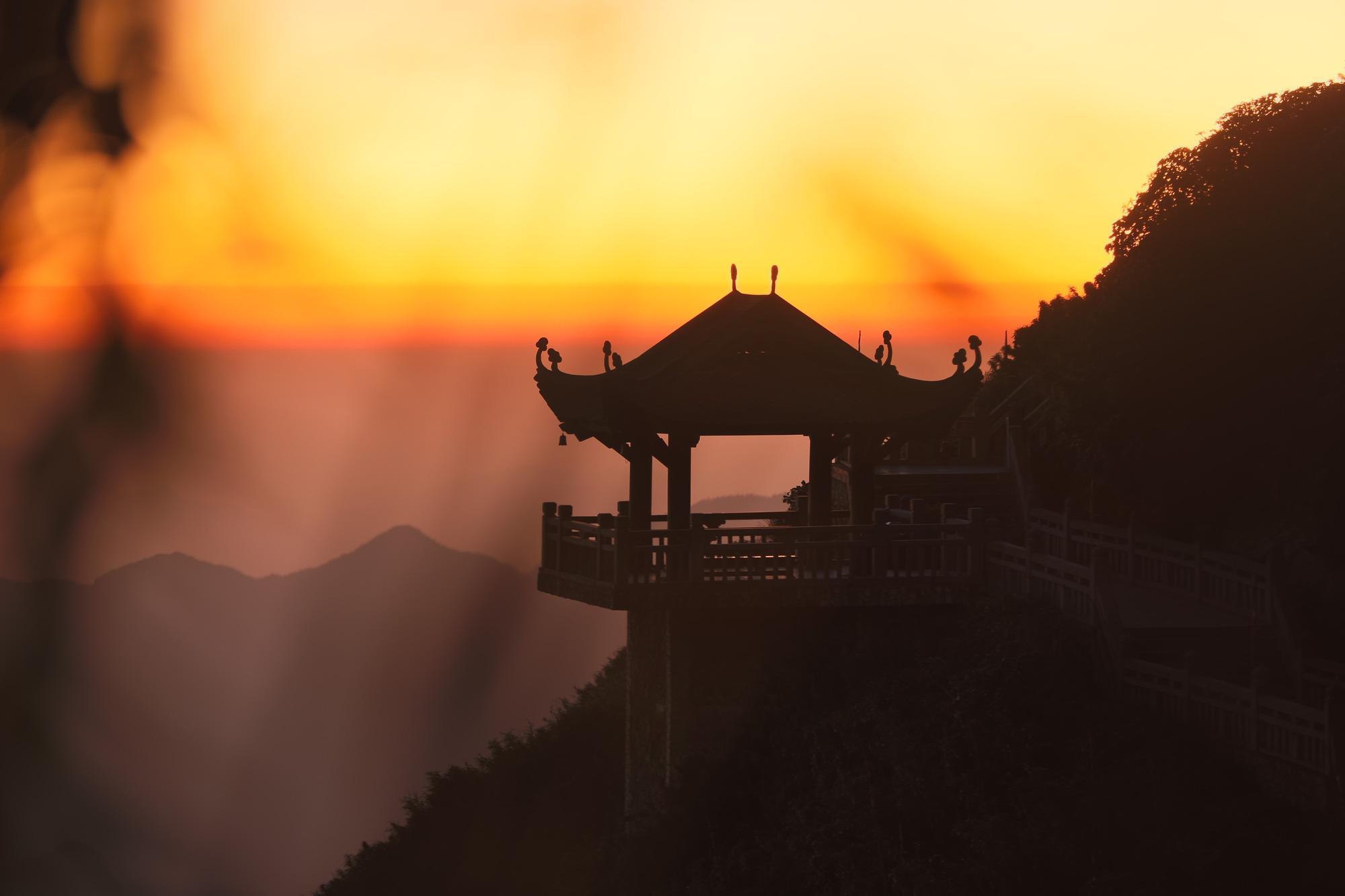 Vẻ đẹp của 'đỉnh núi bạc' Fansipan trong mùa đông Ảnh 10