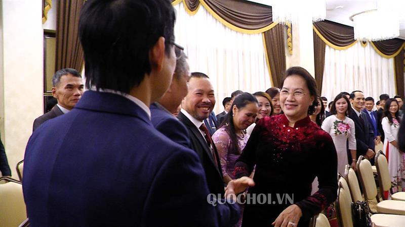 Chủ tịch Quốc hội Nguyễn Thị Kim Ngân gặp gỡ cán bộ Đại sứ quán và đại diện cộng đồng người việt tại cộng hòa belarus Ảnh 1