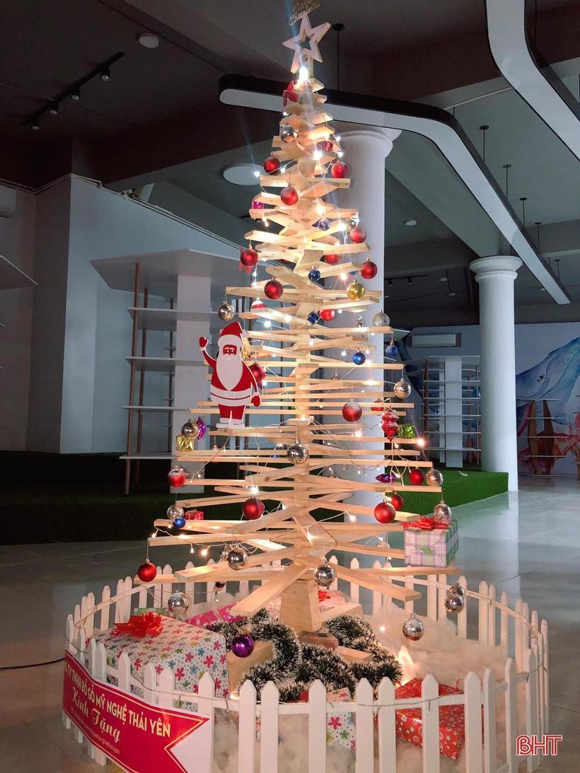 'Lạc bước' vào không gian đón mừng Giáng sinh 2019 tại Hà Tĩnh Ảnh 12