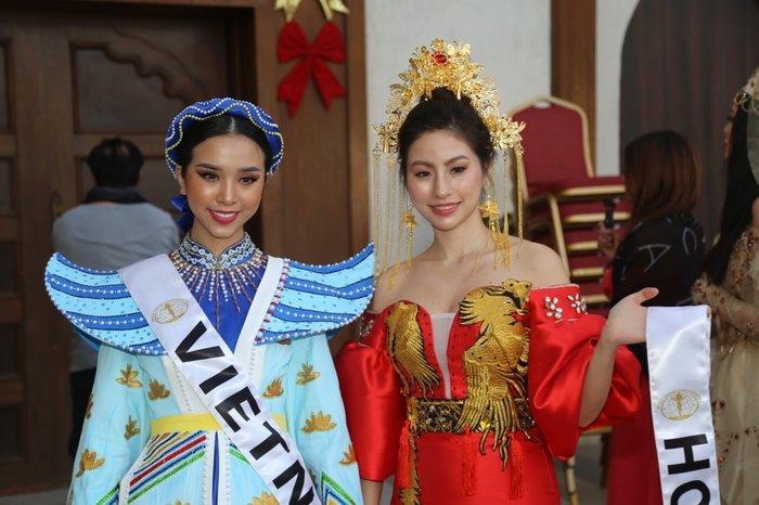 Thúy An trình diễn 'Điểu tinh đoạt công chúa': Đẹp - Độc đáo - Quyết giật giải Best National Costume! Ảnh 2