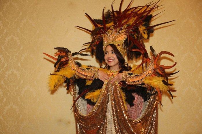 Thúy An trình diễn 'Điểu tinh đoạt công chúa': Đẹp - Độc đáo - Quyết giật giải Best National Costume! Ảnh 4